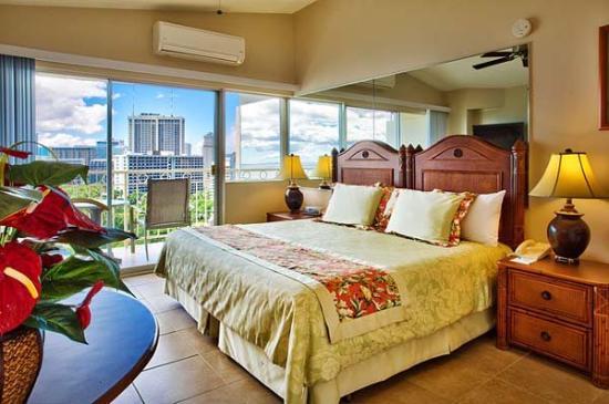 Waikiki Shore: WKSStudio