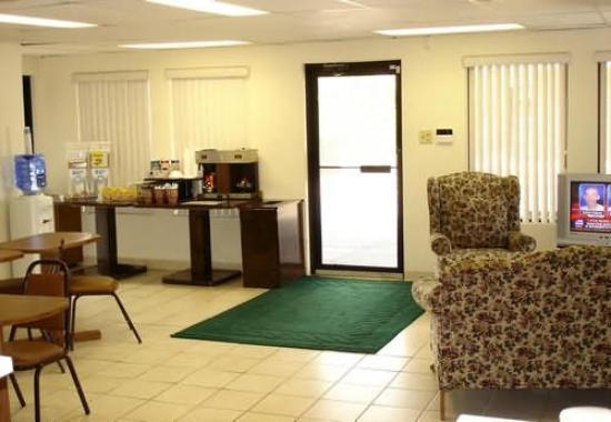 Parkway Inn: Interior