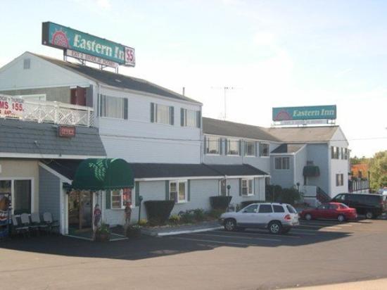 Eastern Inn: Exterior