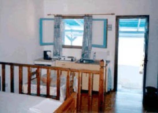 Kavo Fanari Studios: Guest Room