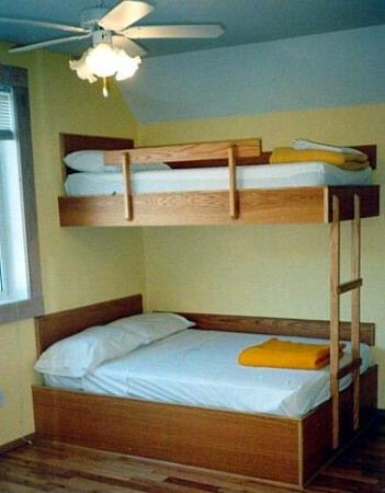Revelstoke Hostel: Guest Room