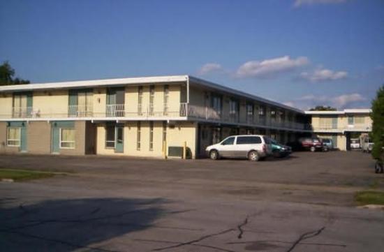 Impala Motel: Exterior