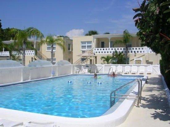Venice Beach Villas: Venice Ave pool