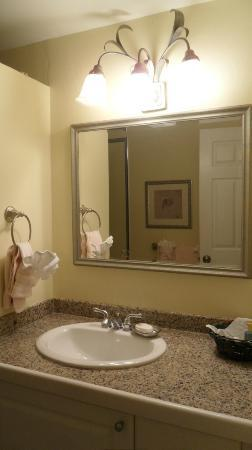 Inn at Grace Bay: Bathroom