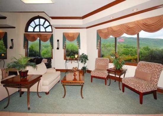Baymont Inn & Suites Harriman : Lobby