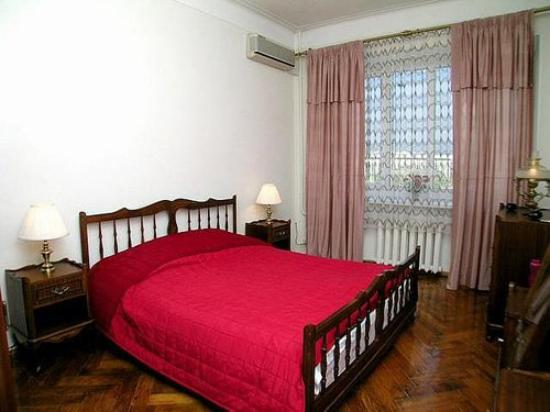 Red Gates Luxury Apartments : Guest Room