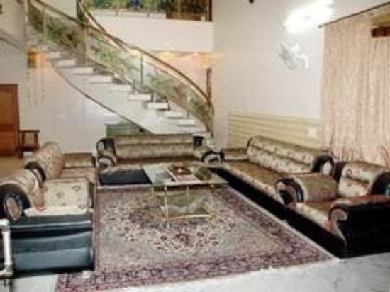 Maanavi Home: Interior