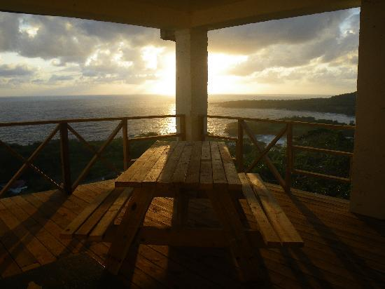 Caribbean Dawn: common deck and picnic table