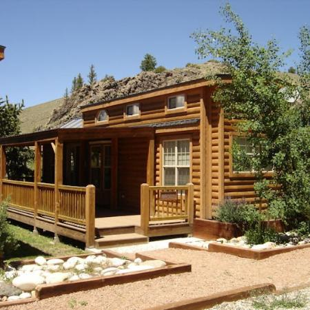 Almont, CO: Mtn Chalet on River