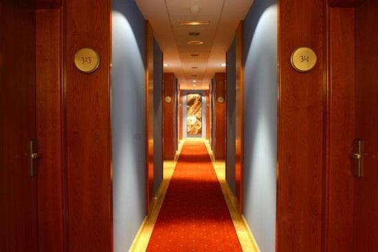 Silvota: Corridor