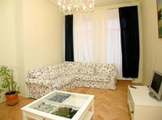 Government House Luxury Apartments: Guest Room