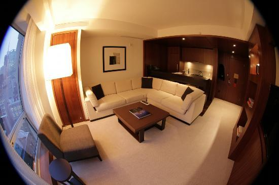 Langham Place, New York: The living room