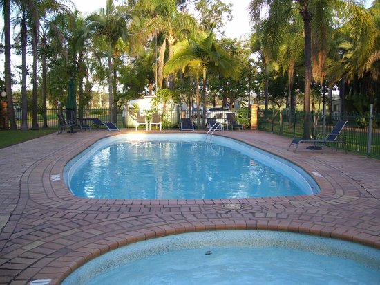 Glenwood Tourist Park & Motel : Sparkling Pool