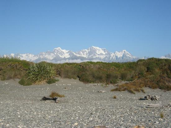 Mt Cook from Gillespies beach