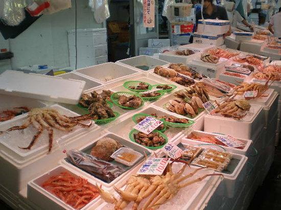 Tsuruga, Jepang: 美味しそうですが。。。高いです