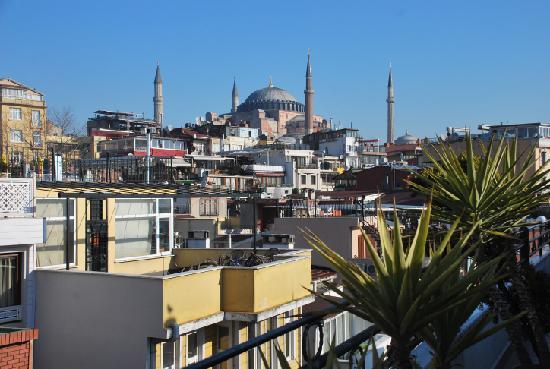 Hippodrome Hotel: View from breakfast terrace to Hagia Sophia