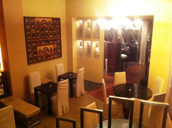 Saronno, Italië: Blilck auf Eingangsbereich