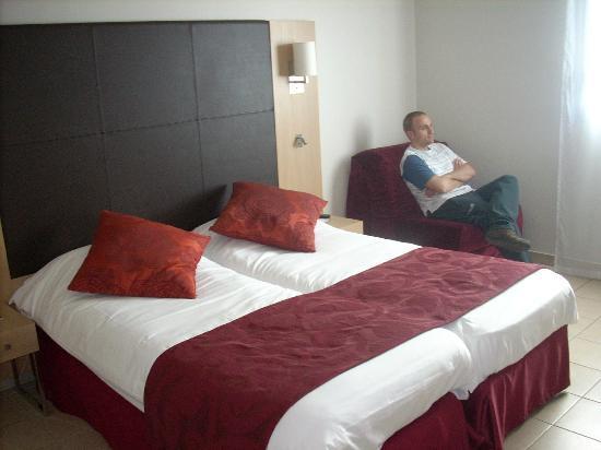 Residhome Privilege Toulouse Occitania : Habitación dos camas