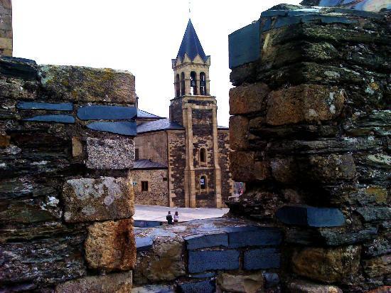 Ponferrada, Hiszpania: una vista desde castillo
