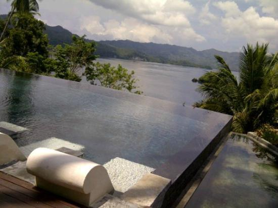 Dabirahe at Lembeh Hills Resort: the pool