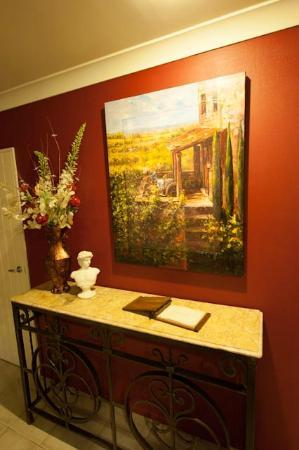Annavale downs B & B: Beautiful Artwork in the house