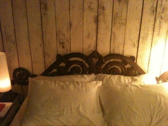 Hypnos Design Hotel: Dettaglio del letto