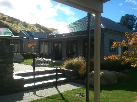 Benbrae - Cardrona Valley Resort: Villas around the pool area