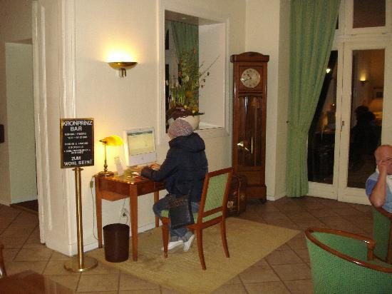 Novum Hotel Kronprinz Berlin: hall