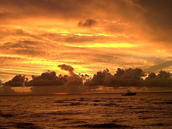 Playa Norte: Sunset North Beach