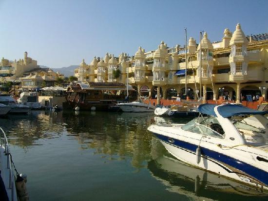 Benalmadena Puerto Marina : La Darsena de Levante