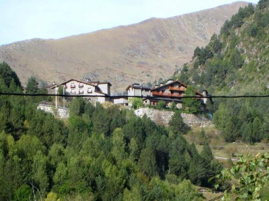 Hotel Os de Civis: hotel al fondo