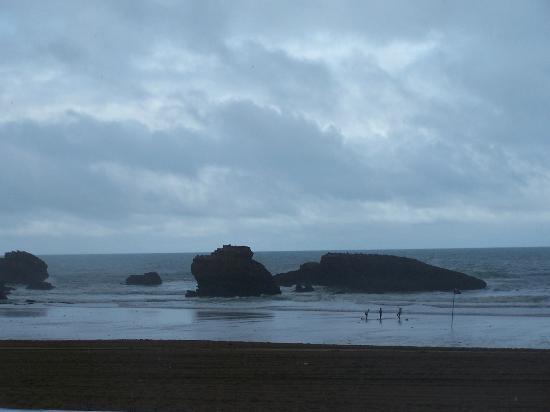 La Côte des Basques : surf au milieu des rochers