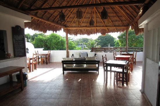 Posada Luna del Sur: Breakfast/lounge area