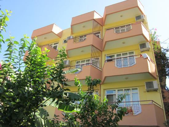 Marin Hotel: Балконы.