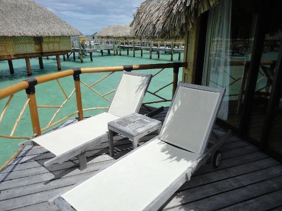 Bora Bora Pearl Beach Resort & Spa: private bungalows deck