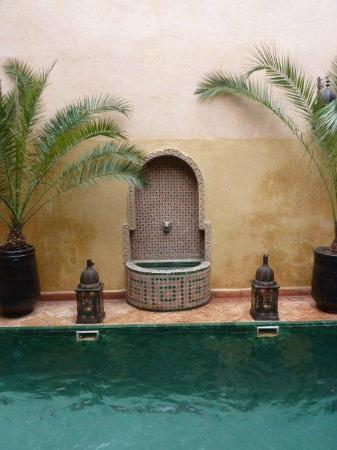Riad du Petit Prince: peaceful courtyard