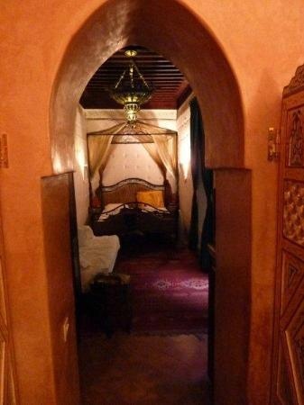 Riad du Petit Prince: bedroom from ensuite