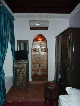 Riad du Petit Prince : entrance to en suite