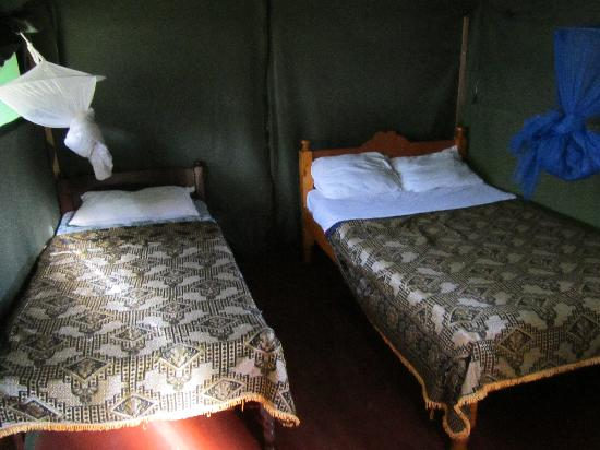Rhino Tourist Camp: Clean double rooms