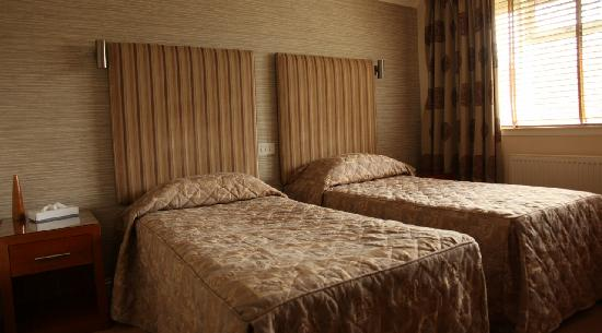 The Abbotsford Hotel : Twin Room