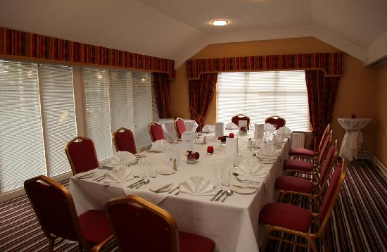The Abbotsford Hotel : Clyde Room set for a small dinner party