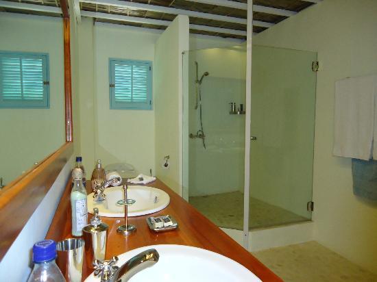 Hotel Piratas del Caribe: Baño Suite Nº 2