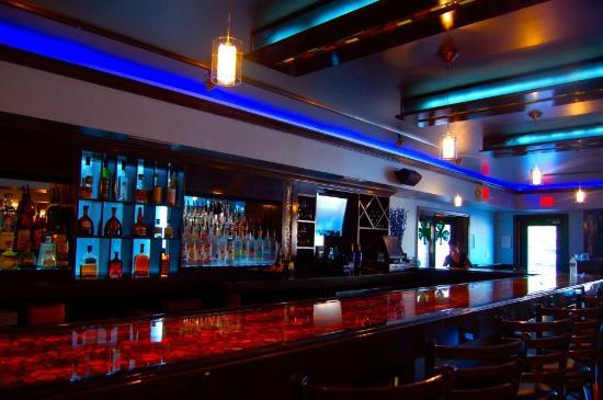Manhattan Bistro: Bar