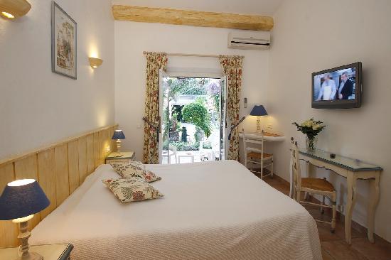 Hôtel Lou Cagnard : chambre jardin