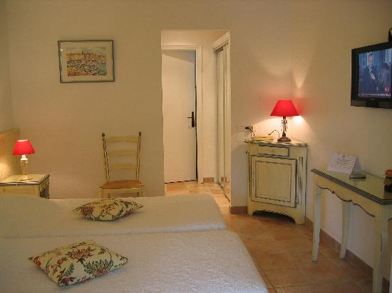 Hôtel Lou Cagnard : chambre
