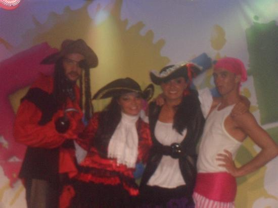Alfagar Alto da Colina: Entertainment Team - Pirate Show