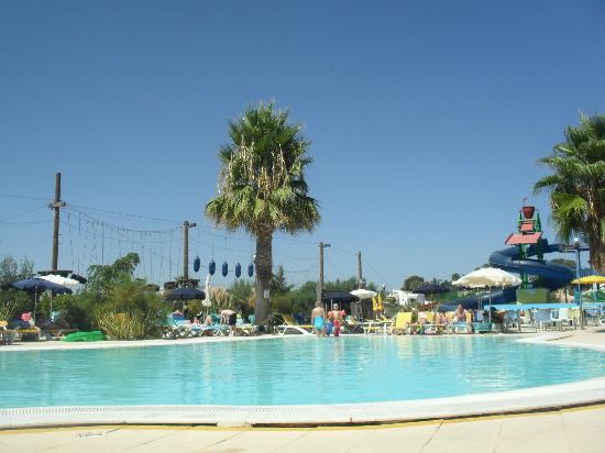 Holiday Village Algarve Balaia: Main Pool in the childrens quarter
