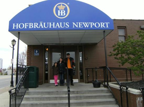 Hofbrauhaus Newport: We're Hungry!