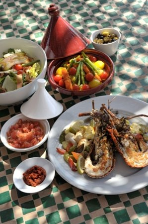La Sultana : Salads & grilled for lunch on the rooftop: lobster, keftas...