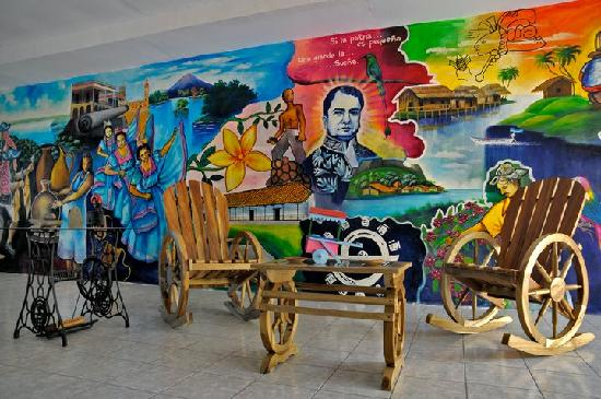 Hotel El Gueguense: Lobby Mural part I